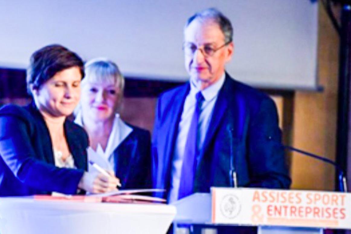 Signature de laconvention de partenariat Ministère des Sports - CNOSF - Esprit de Service France
